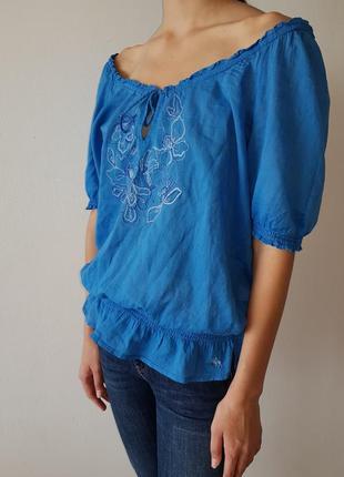 Голубая блузка abercrombie & fitch с орнаментом1 фото