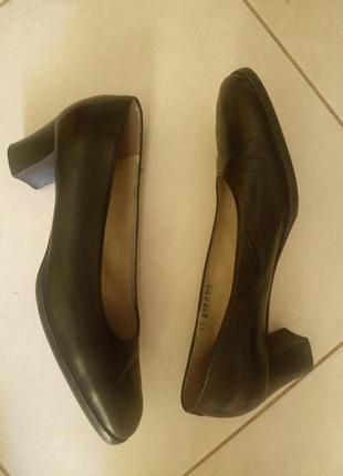 Туфли балетки из мягкой натуральной кожи на среднем каблуке 41 размер