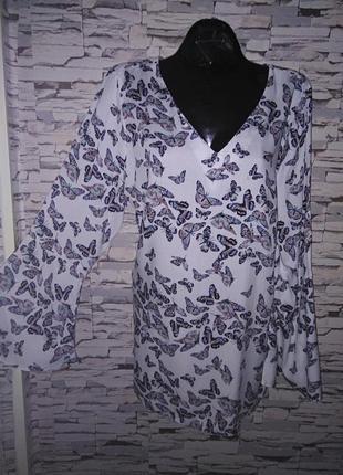 Трендовая рубашка в бабочки р.20