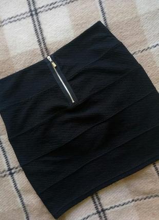 Базовая фактурная черная юбка new yorker