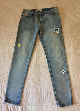 Крутые джинсы incity с нашивками