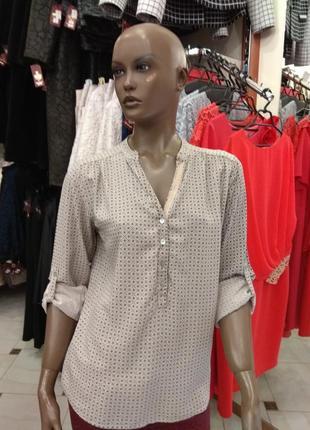 Італія.  віскозна сорочка- блуза 40-42 р.
