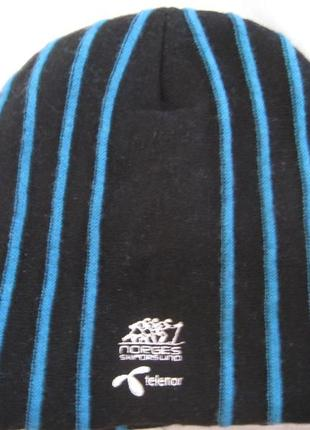 Очень теплая спортивная шапка, швеция!