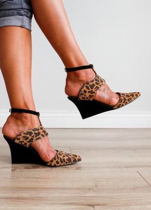 Очень стильные яркие туфли & other stories