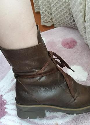 Женские демисезонные кожаные ботинки италия