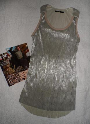 Шикарное плисерованое  платье/прямое/сзади длинее desigual