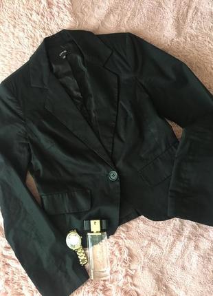 Женский пиджак oodji ,отличное состояние,размер s.