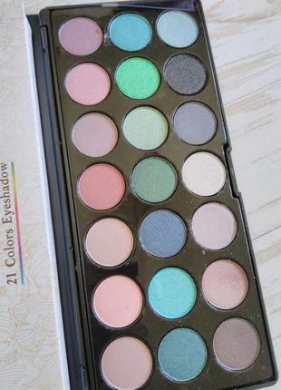 Большая палитра разноцветных теней для макияжа (21 оттенок)