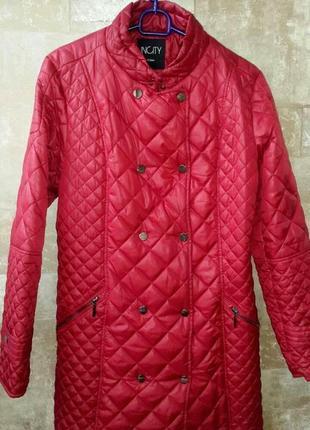 Incity. демисезонное пальто красного цвета. размер 42 / 14 / xl/52