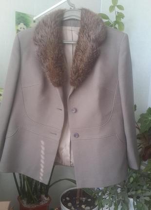 Итальянское шерстяное полупальто теплый жакет пиджак. натуральный мех. подписчикам - 15%