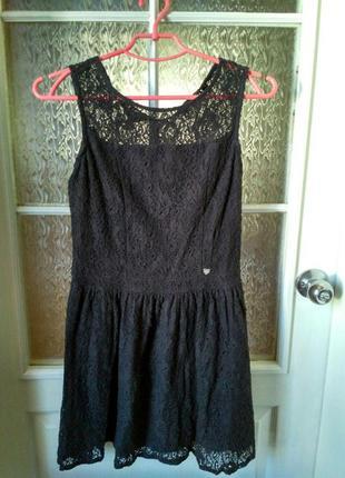 Очень милое кружевное платье cropp