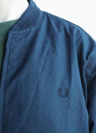 Оригинальный бомбер-куртка от fred perry.