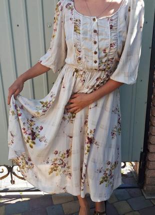 Платье миди в цветочный принт. платье на пуговицах