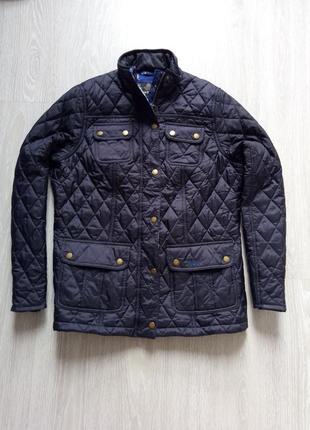 Стеганная современная куртка barbour.