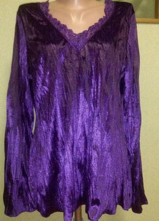 Красивая блуза из жатого бархата с кружевом