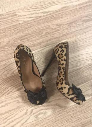 Леопардовые туфли кожа на высоком каблуке aldo!