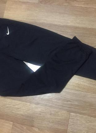 Оригинальные чёрные спортивные штаны nike! слегка утеплены