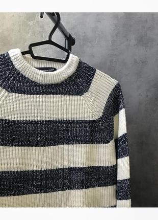 Тёплый свитер в полосочку