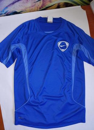 Nike спортивная футболка на подростка 12-13 лет,152-158 см,оригинал,сток