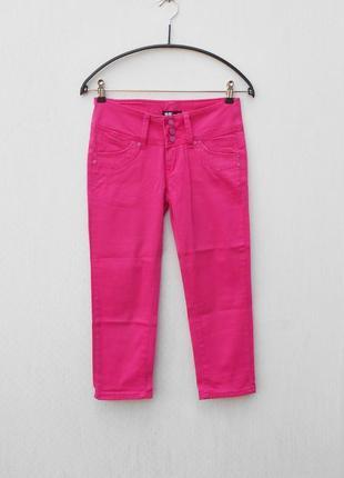 Розовые укороченные узкие джинсы скинни капри бриджи