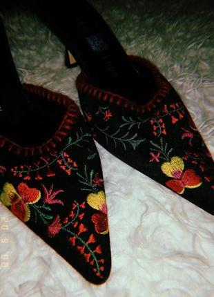 Мюли лодочки женские туфли на каблуке туфли с вышивкой  босоножки женские