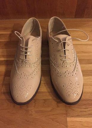 Кожаные туфли оксфорды из новой коллекции 2018