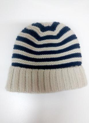 Вязаная шапка детская на 3-4 года