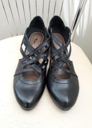 Tamaris 38 p. кожаные классические туфли