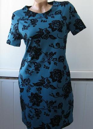 Платье футляр с фактурным бархатным принтом
