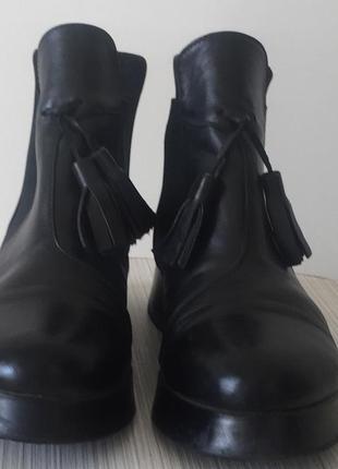 Женские ботинки челси, черные,кожаные  с кисточками, 39