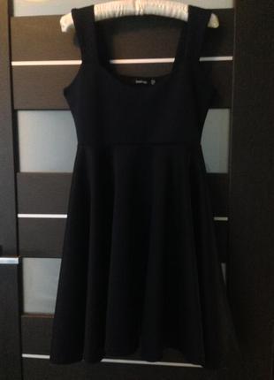 Темно-синее платье с юбкой солнце boohoo 38р2