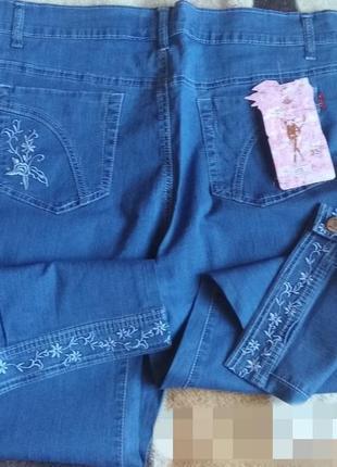 Бриджи джинсовые с вышивкой..л.хл
