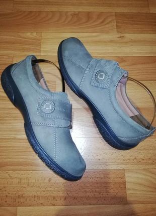 Женские кожаные туфли комфорт на липучке