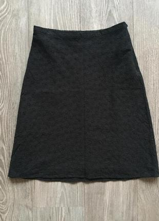 Чёрная классическая юбка-трапеция в цветочек monton, 36