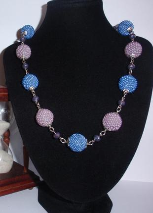Ожерелье из оплетенных бусин