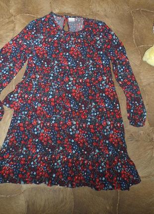 Красивое мягенькое платье в звезды и цветы на девочку 8 лет