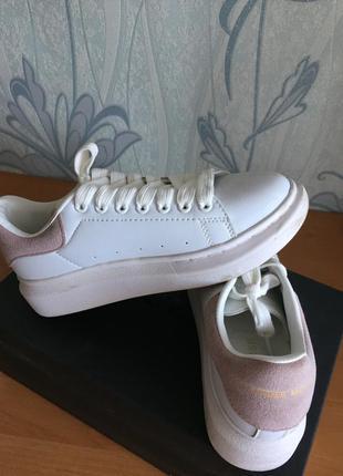 Женские кроссовки alexandr mcqueen