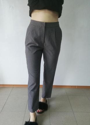 Сірі брюки класика