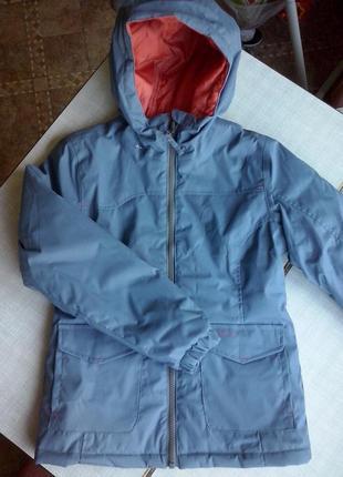Новая демисезонная куртка quechua на 7-8 лет