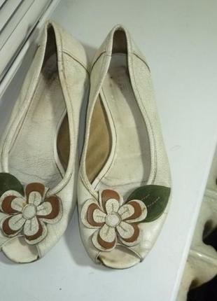 Туфли-балетки кожаные натуральные с открытым носком на низком ходу