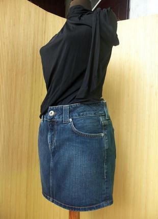 Джинсовая юбка мини  с потертостями tommi hilfiger2