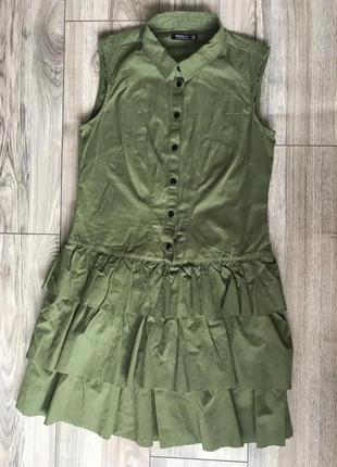 Стильное платье с воланами