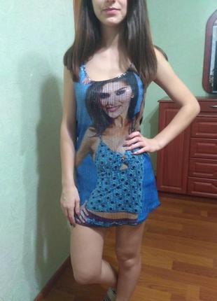 Интересное платье с пайетками