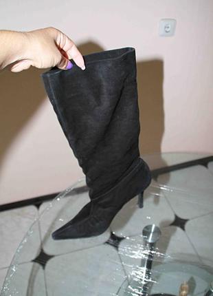 Замшевые черные сапожки
