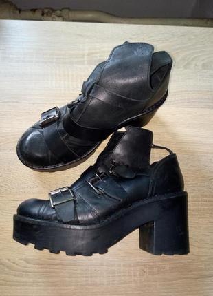 Кожанные ботинки на тракторной подошве topshop