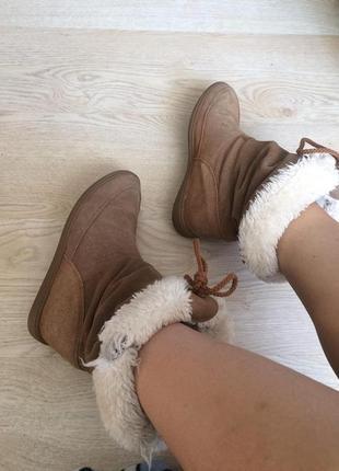 Осенние ботинки skechers