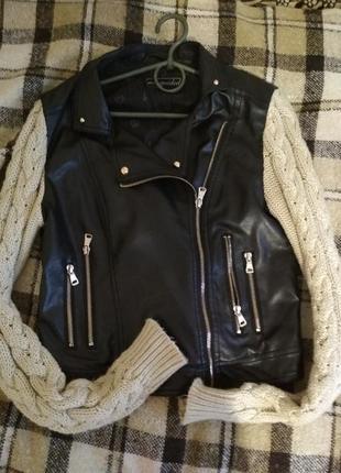 Курточка косуха с вязаными рукавами