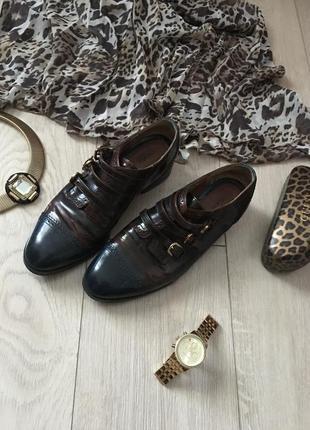 Кожаные туфли-блюхеры