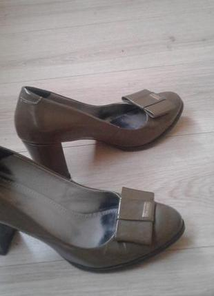 Кожанные туфли, черевики pier lucci 38-39 р