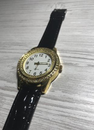 Новые наручные часы, наручний годинник